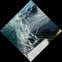 Сильный удар по стеклу